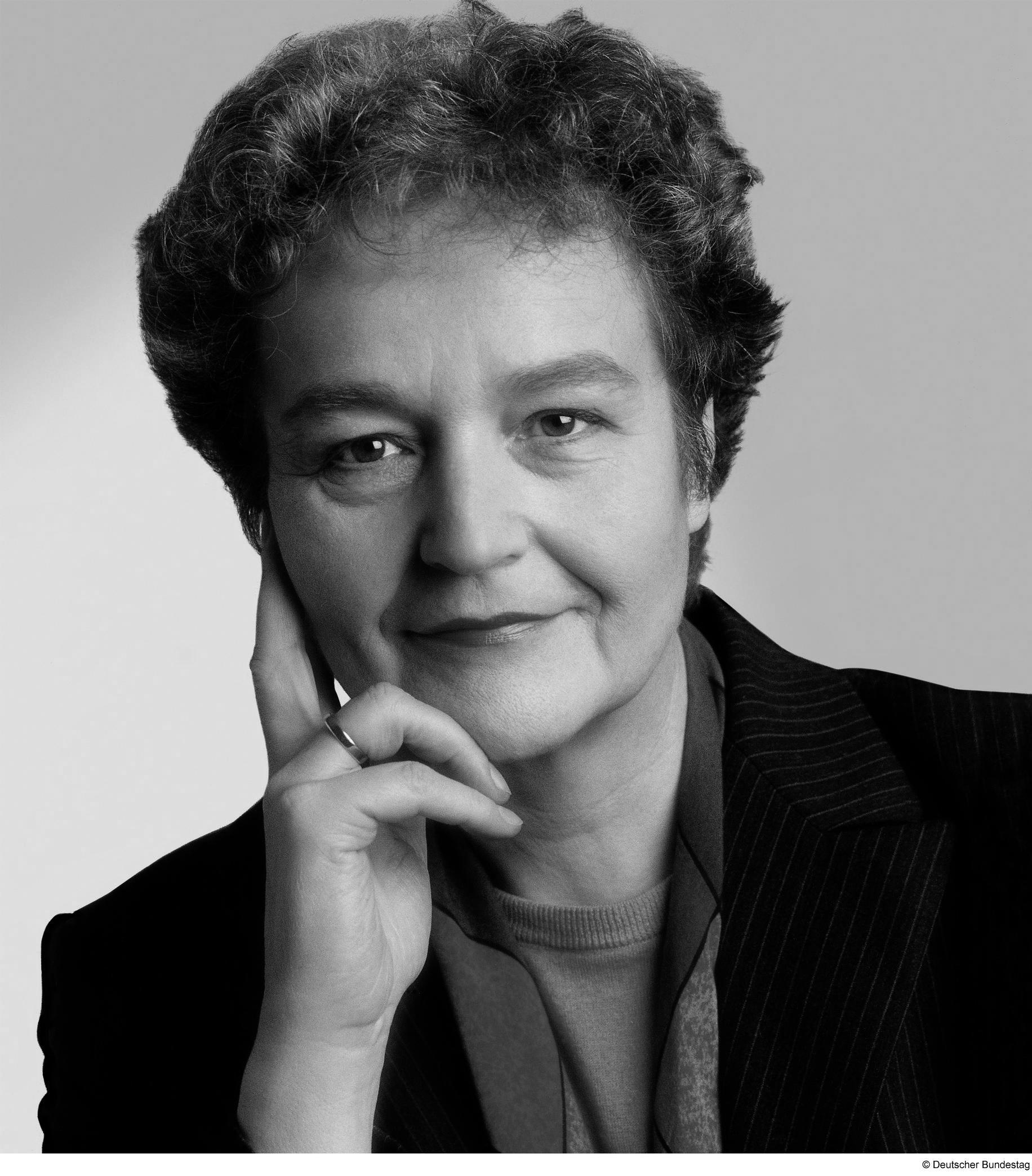 Dr. <b>Herta Däubler-Gmelin</b> - portrait